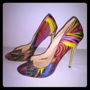 Gorgeous open toe, satin heels sz, 9